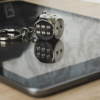 silver and black round keychain